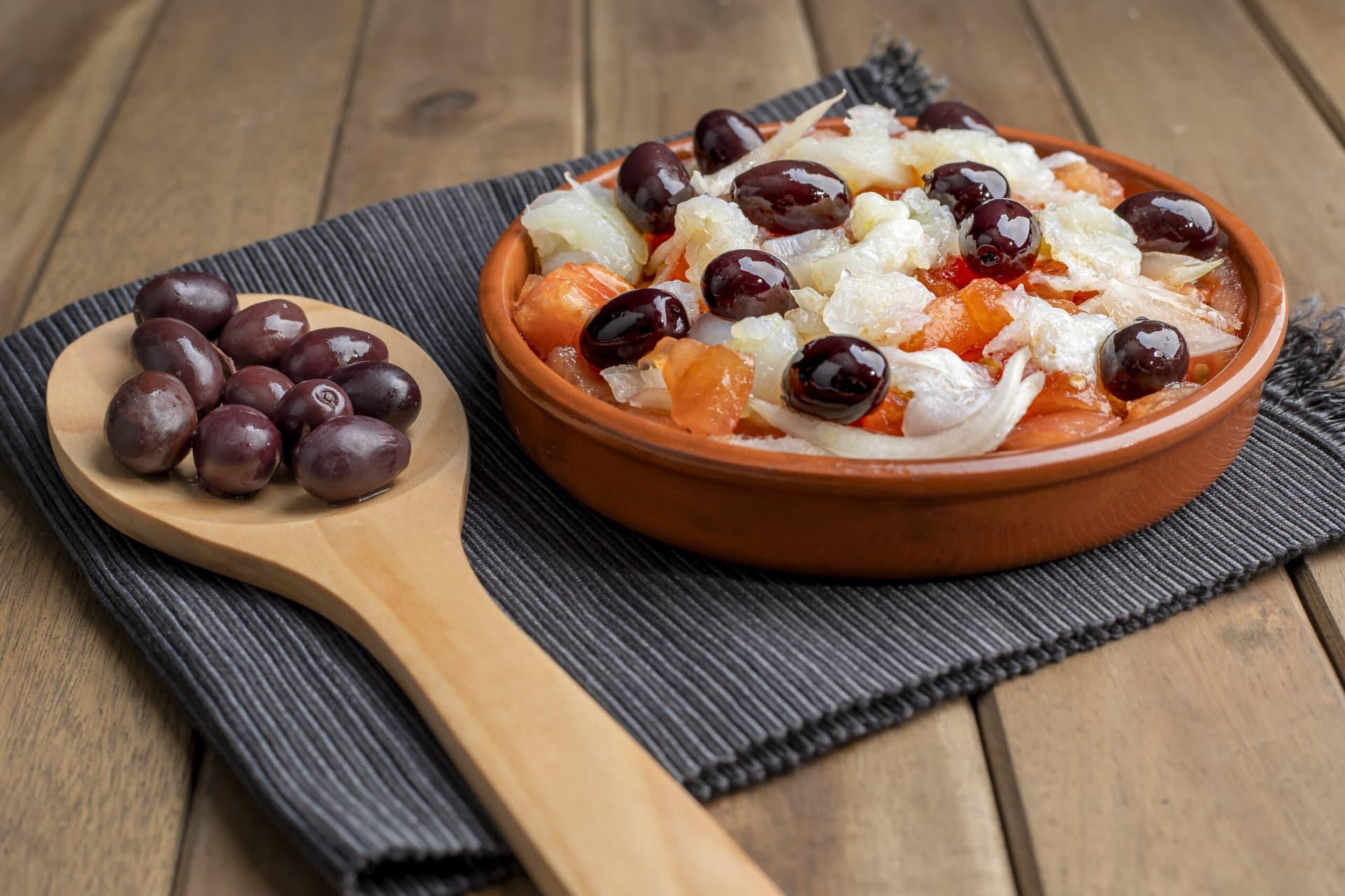 Codfish esqueixada - Mediterranean diet recipe