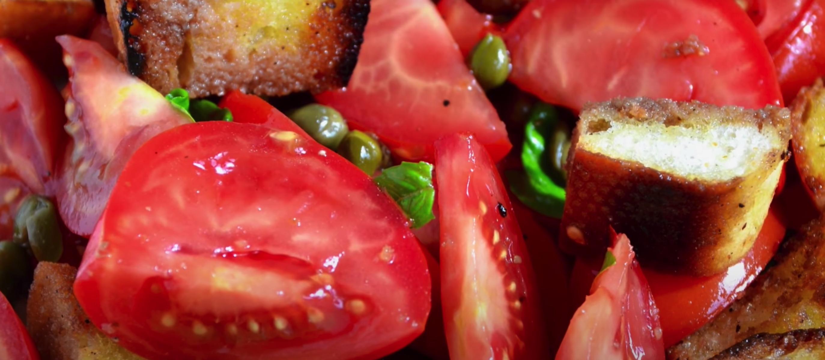 Panzanella mit nativem Olivenöl extra