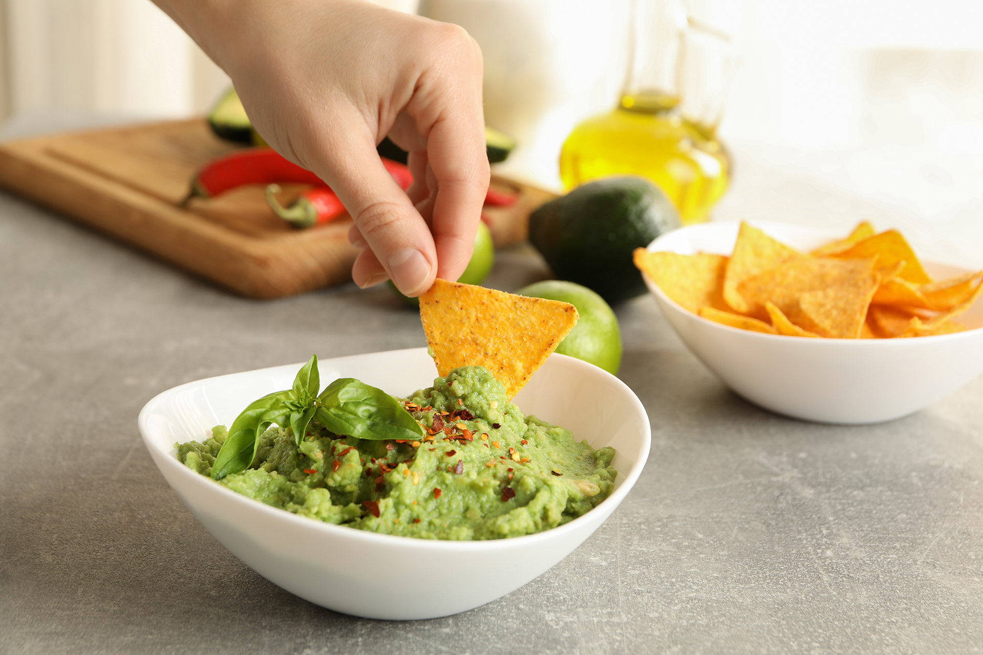 Homemade guacamole sauce recipe