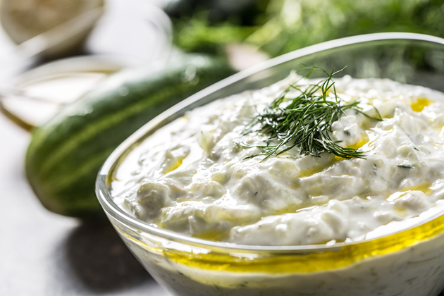 Salsa tzatziki con aceite de oliva virgen extra