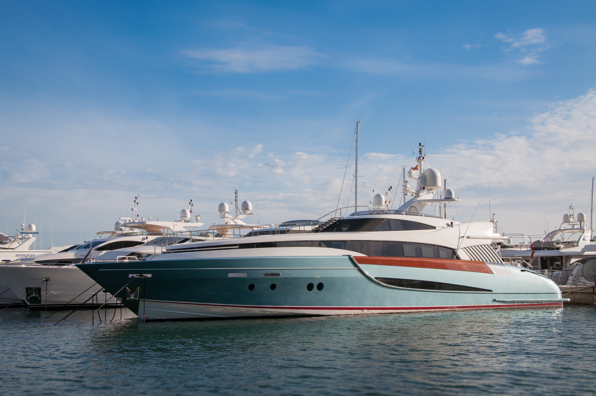 Yachts with departures from the port of Palma or Alcudia